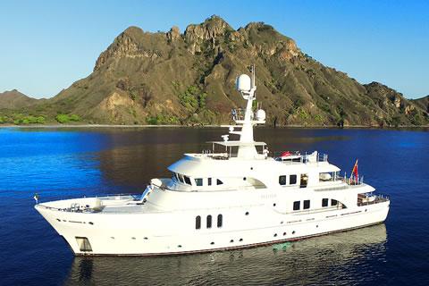 Beluga 113-ft Moonen Motor Yacht Charter in Australia